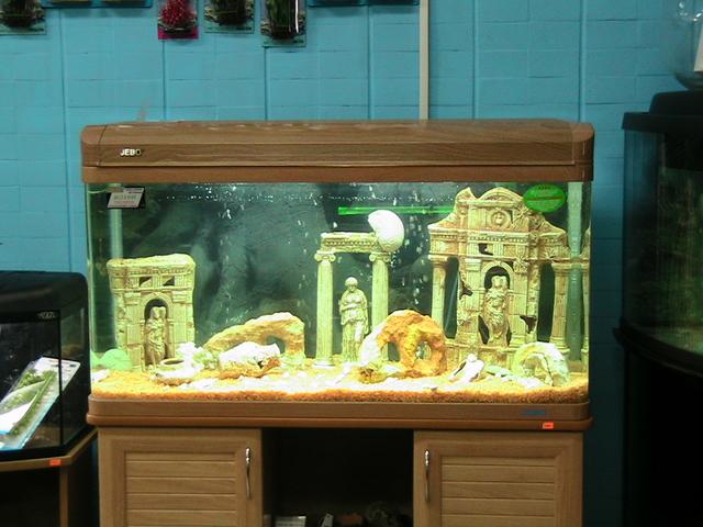 Как сделать своими руками декорацию в аквариум 20